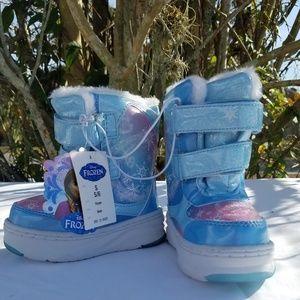 Disney Frozen Toddler Girls Boots NWT 5/6